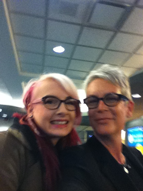 http://funnyrepost.com/images/Met-Jamie-Lee-Curtis-at-the-airport-She-took-a-selfie-of-us-with-my-phone/21215/20140501