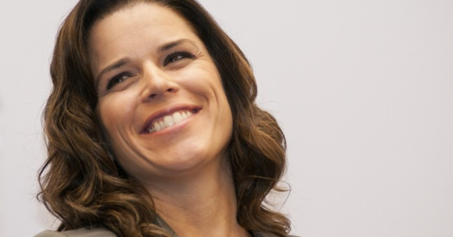 01-neve-campbell-w1200-h630